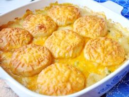 Creamy Chicken & Biscuit Casserole