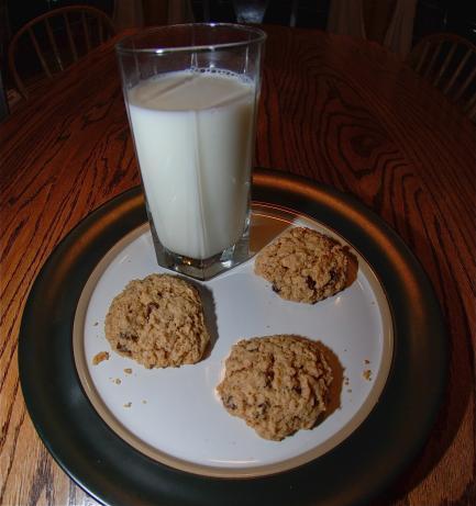 Soft Batch Oatmeal Raisin Cookies. Photo by Cnd-Tom