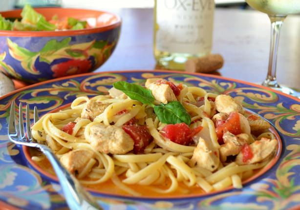 Chicken and Pasta in White Wine Garlic Sauce. Photo by Marg ...