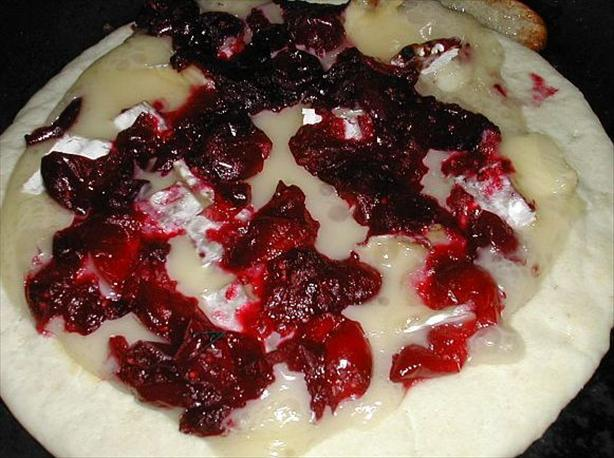 Brie and Cranberry Pizza. Photo by MarraMamba