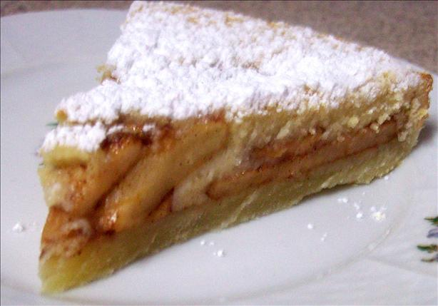 Tarte Aux Pommes (French Apple - Custard Tart). Photo by Marlitt
