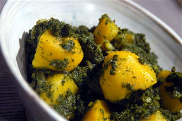 Aloo Palak (Indian Potatoes & Spinach). Photo by -Sylvie-