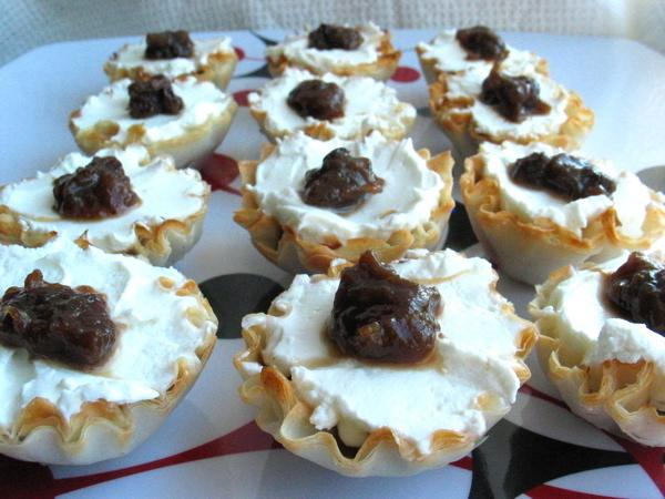 Mini Phyllo Shells With Chutney and Goat Cheese. Photo by flower7