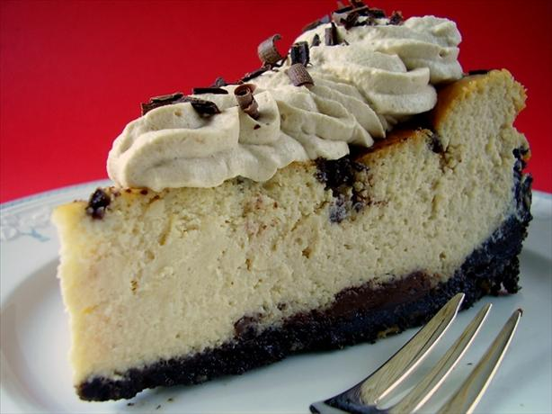 Baileys Irish Cream Chocolate Chip Cheesecake. Photo by Thorsten