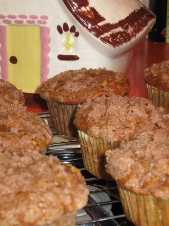 Pumpkin Apple Streusel Muffins. Photo by Lots of TLC