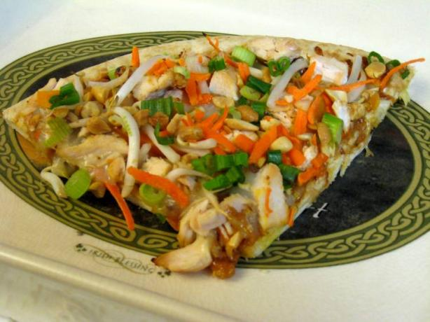 Spicy Thai Chicken Pizza With Peanut Sauce. Photo by Ms. Low