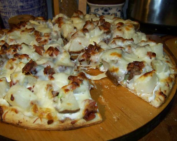 Baked Potato Pizza. Photo by Mimi in Maine