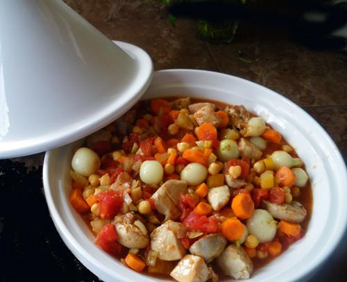 Easy Crock Pot Moroccan Chicken, Chickpea and Apricot Tagine. Photo by ...