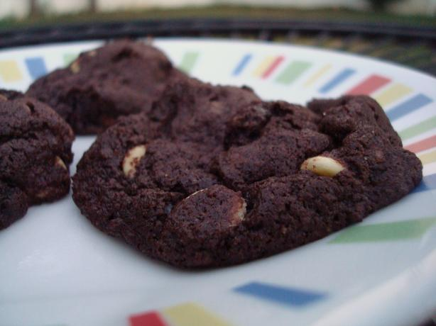 Chocolate Chai Latte Cookies. Photo by Starrynews