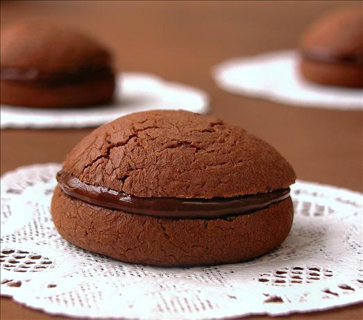 Gianduia Sandwich Cookies (Chocolate-Hazelnut). Photo by GaylaJ