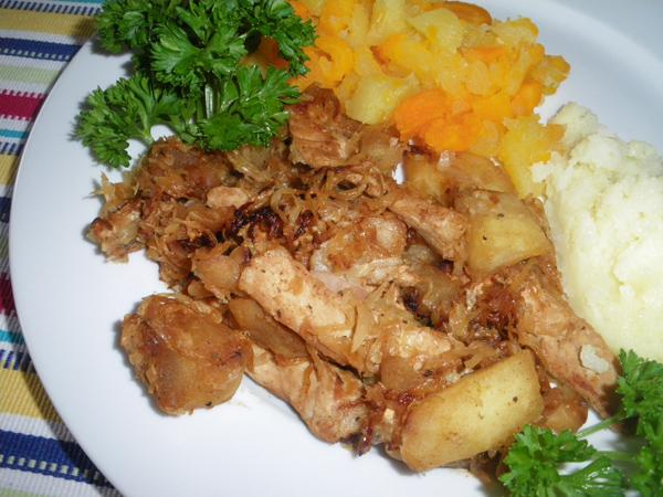 Pork chops with sauteed apples and sauerkraut recipe - Appel krat ...