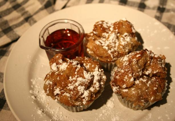 Bread Pudding Muffins. Photo by lilsweetie