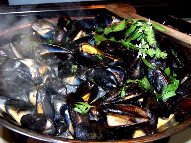 Thai Steamed Mussels Recipe - Food.com
