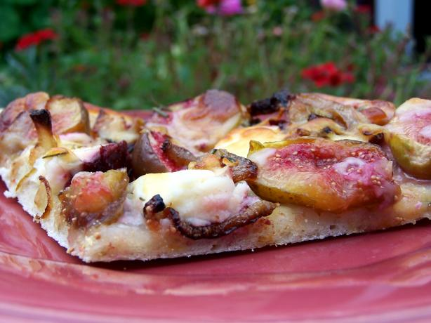 Fresh Fig, Caramelized Onion and Goat Cheese Gourmet Pizza. Photo by ...