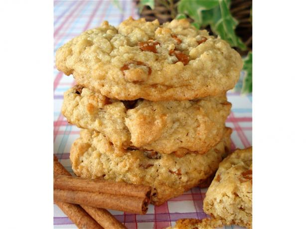 Oatmeal Cinnamon Chips Cookies. Photo by Marg (CaymanDesigns)