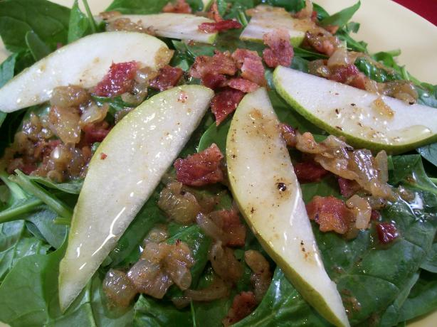 Warm Spinach and Pear Salad With Bacon Dressing. Photo by Crafty Lady ...