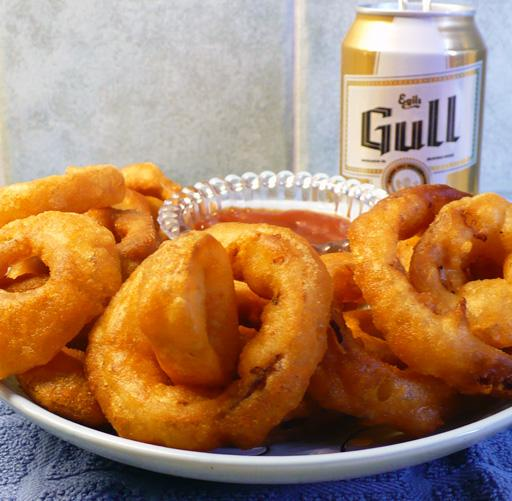 Beer Batter Onion Rings. Photo by twissis