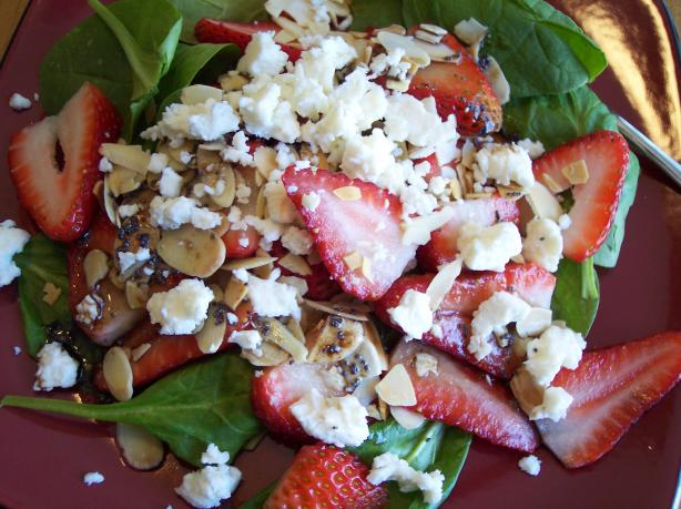 Delicious Easy Spinach and Strawberry Salad With Feta. Photo by Nif