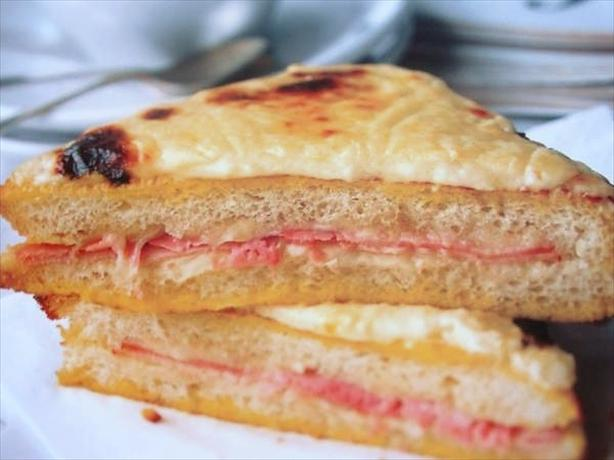 The Classic French Bistro Sandwich - Croque Monsieur ...