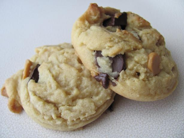 Ultra Soft Chocolate Chip Cookies. Photo by under12parsecs