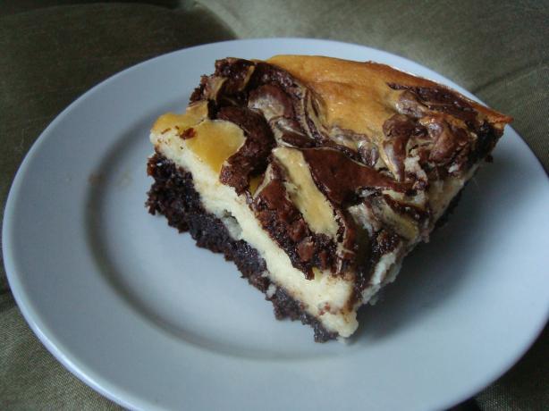 Brownie Swirl Cheesecake. Photo by buttercreambarbie