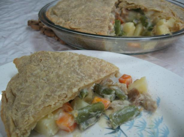 Vegetable Pot Pie (Vegan). Photo by Enjolinfam