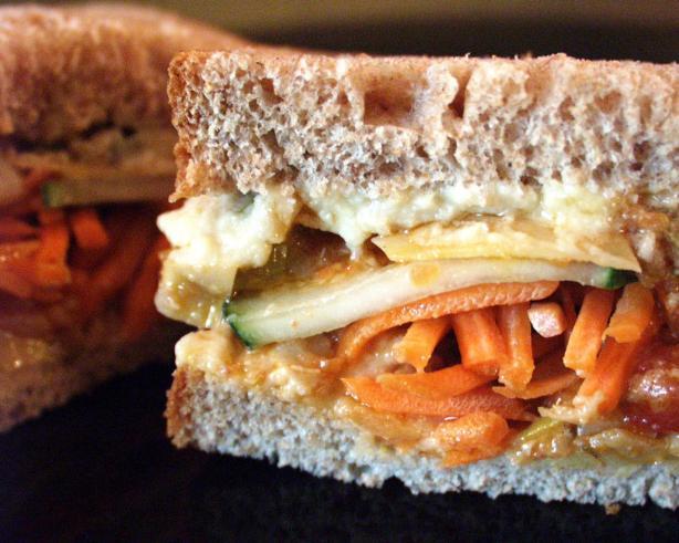 Lunchbox Hummus Vegetable Sandwich. Photo by FLKeysJen