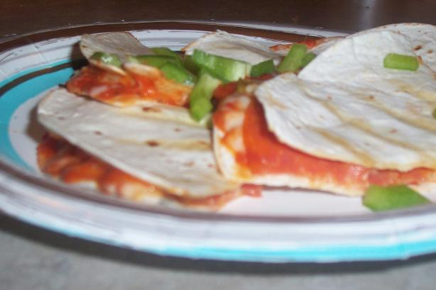Grilled Pizza Wraps. Photo by ARathkamp