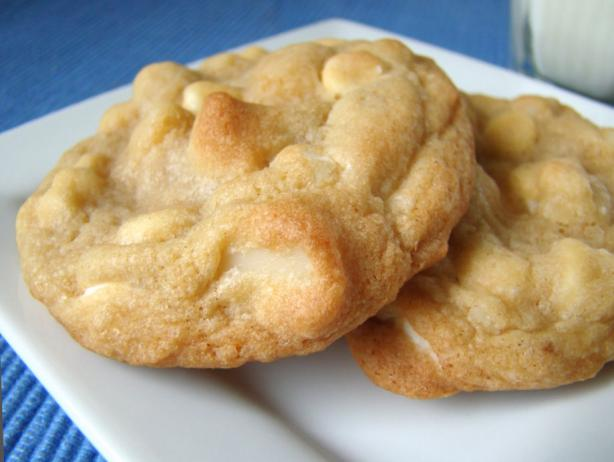 White Chocolate Chip Macadamia Nut Cookies. Photo by Marg ...