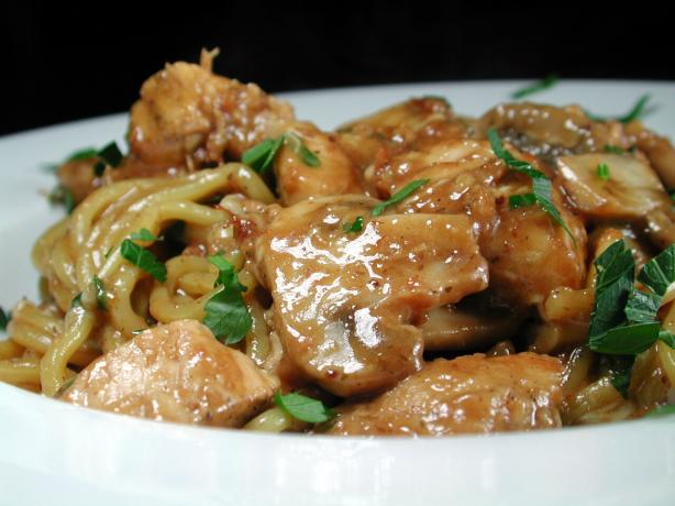 Garlic Chicken and Mushrooms in White Wine Sauce. Photo by Chef floWer