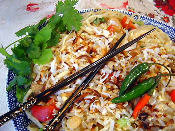 Thai Coconut Rice Noodles With Chicken Recipe - Thai.Food.com