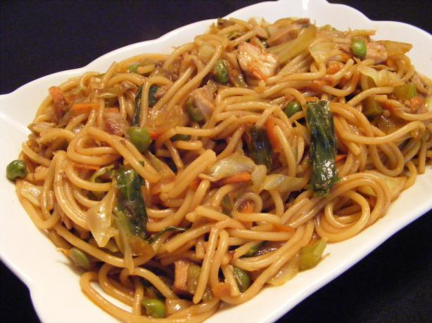 Chicken Lo Mein With Vegetables. Photo by Seasoned Cook
