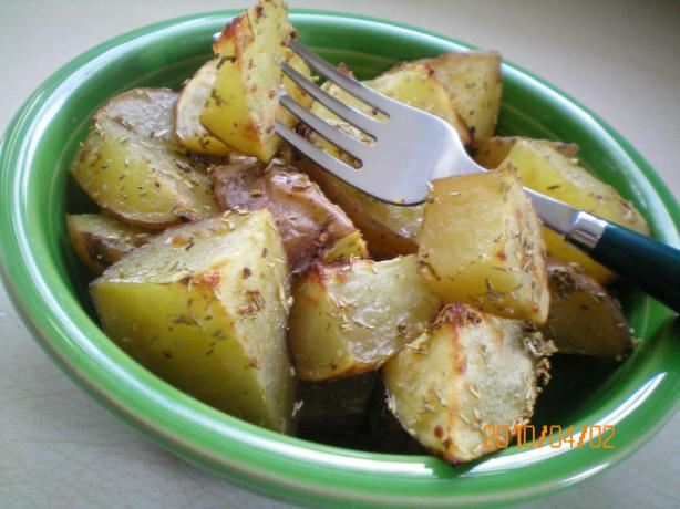 Olive Garden Restaurant Roasted Potatoes. Photo by CoffeeB