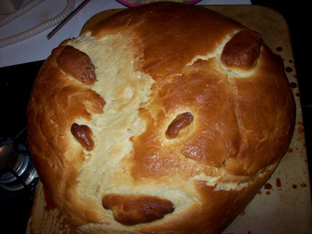 Pan De Muertos ( Day of the Dead Bread). Photo by Rachel Lynn