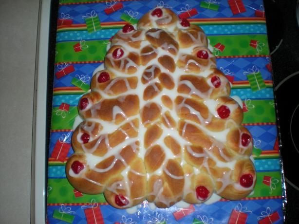 Christmas Tree Bread. Photo by Beth Gray