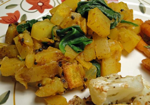Indian Spiced Spinach With Potatoes Recipe - Low-cholesterol.Food.com