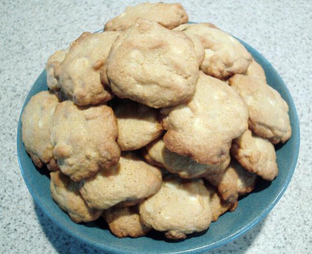White Chocolate Chunk Macadamia Cookies Recipe - Food.com