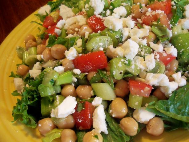 Spinach Salad Recipe With Marinated Garbanzo Beans And ...