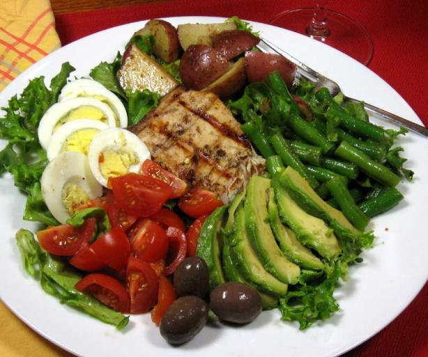 Nicoise Salad With Grilled Tuna. Photo by dianegrapegrower