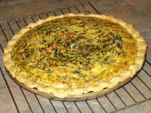 Fluffy Spinach, Onion and Roasted Red Pepper Quiche With Gruyere ...