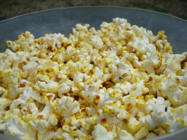 Curried Salt Popcorn. Photo by Starrynews