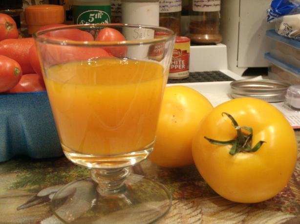 Homemade Tomato Juice. Photo by Catnip46