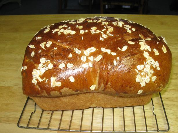Honey Oat Bread (Bread Machine). Photo by Chef Doraine
