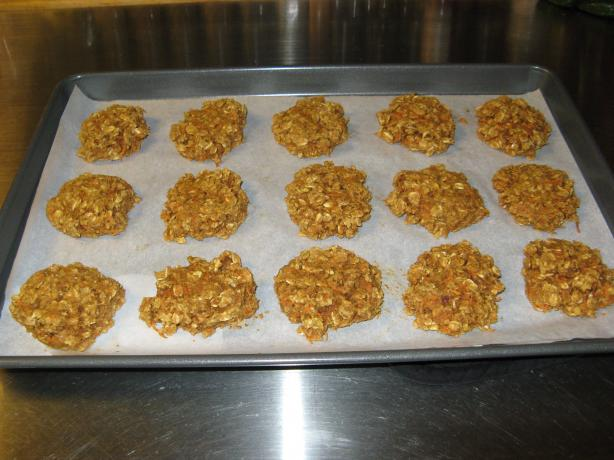 Low-Cal Low-Fat Oatmeal Carrot Cookies. Photo by Cajun Chef Wannabe