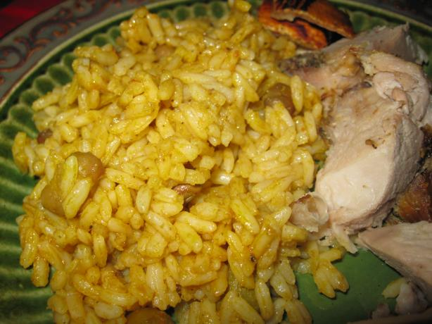 Arroz Con Gandules (Rice and Pigeon Peas). Photo by threeovens