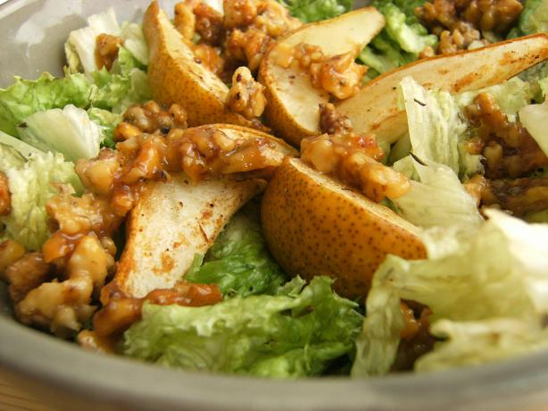 Grilled Pears With Gorgonzola, Walnuts & Vinaigrette Salad. Photo by ...