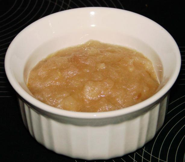 Crock Pot Apple/Pear Sauce With Ginger. Photo by Boomette