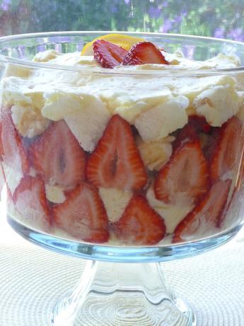 Angel Food Cake Trifle