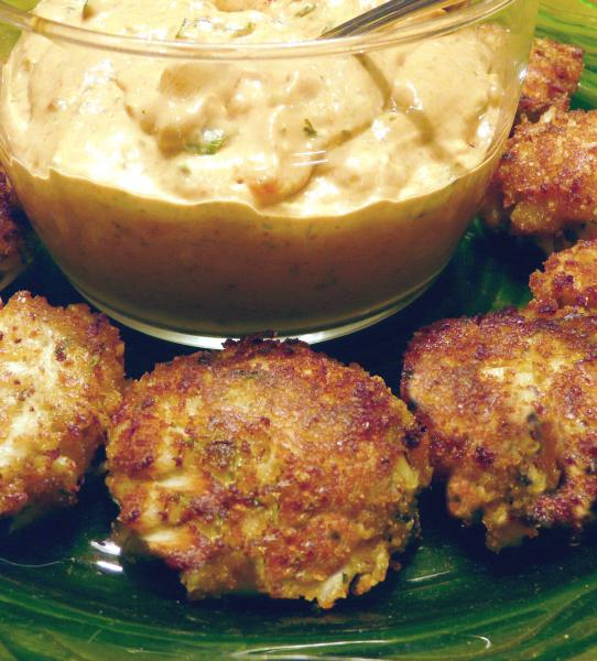 Mini Crab Cakes with Remoulade Sauce. Photo by PaulaG