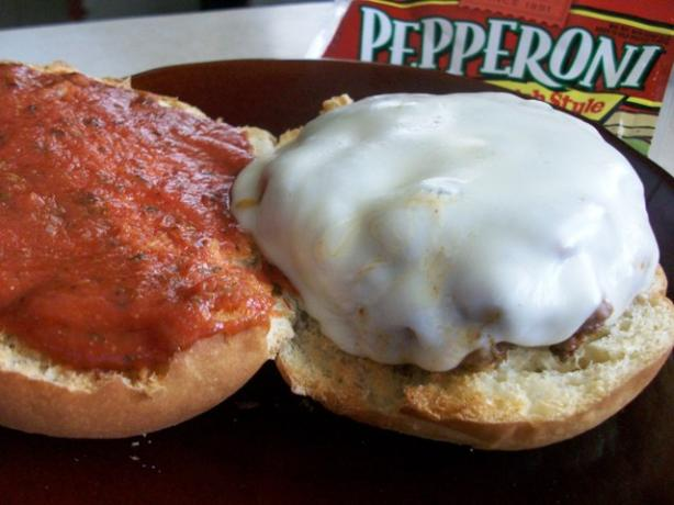 2bleus Pepperoni Pizza Burgers Recipe - Food.com